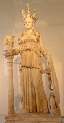 16. Atenea Parthenos con su hijo Erictonio