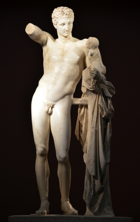 3. Hermes con Dioniso niño
